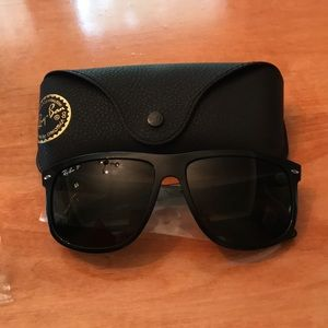 Ray-Ban RB4147 unisex.